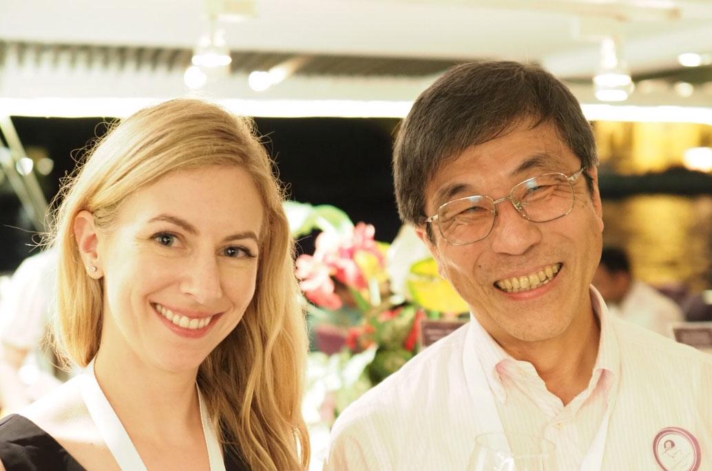 Dr Laura Mackay with previous FIMSA President Dr Shigeo Koyasu