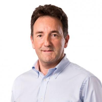 Dr Julian Druce